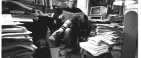 Fyrirlestur Noam Chomsky fyrr í dag og pallborðsumræðurnar sem voru á undan ásamt pistli mínum sem var fluttur við það tækifæri..